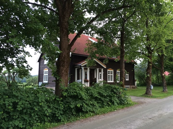 Gammelt hus i Bø