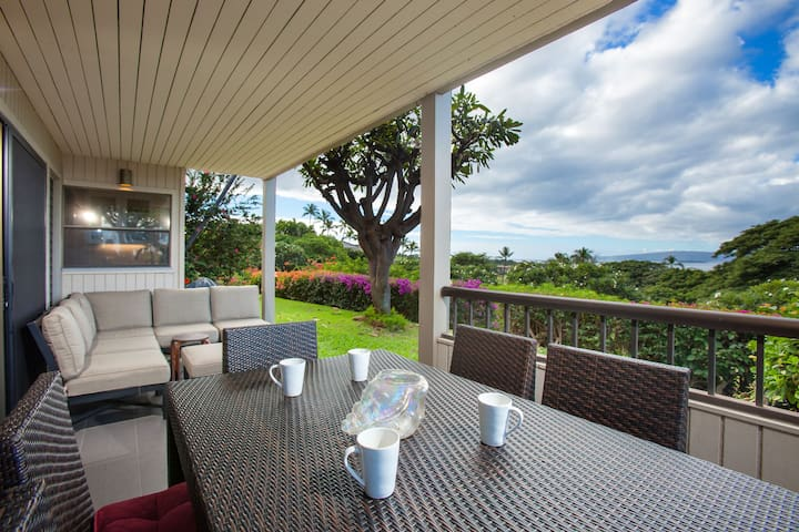 Wailea Ekolu #105 2Bd/2Ba Scenic Ocean View Great Location, Full A/C Sleeps 4