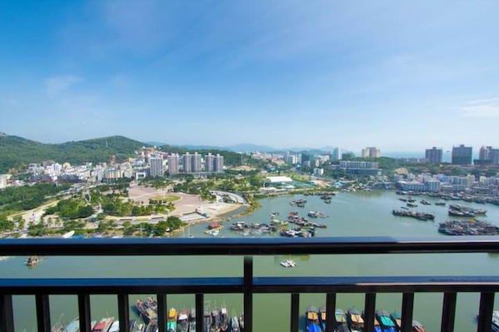 三亚大东海超高档小区时代海岸小区一室一厅河海双景观套房 - Sanya - Appartement