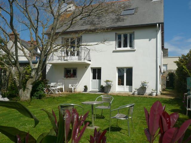 Maison familiale proche mer et port - Saint-Quay-Portrieux - Dům