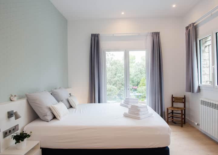 La Barceloneta, the brightest room at Villa Naranja