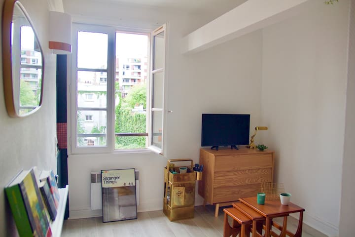 Charming studio for 2 // Paris Oberkampf
