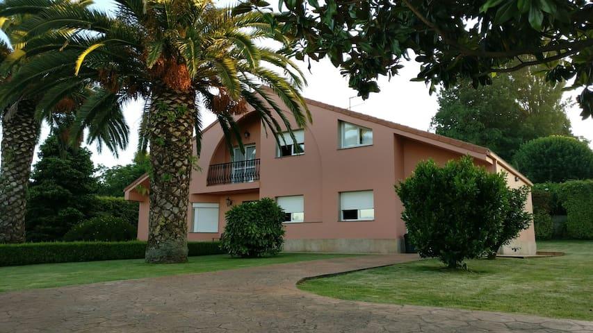 Casa con vistas a la Ría - Bergondo