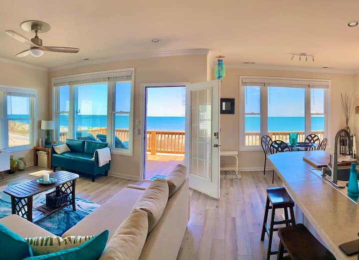 Oceanfront, Contemporary. Private Beach Access.