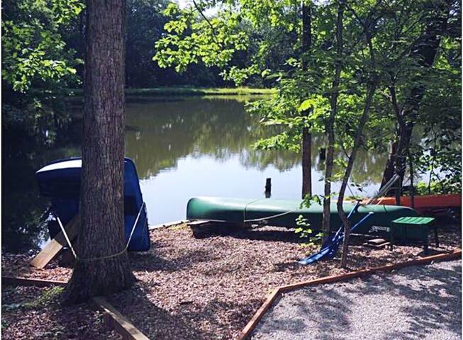 Firefly Inn Lakefront Family/Pet Friendly Retreat