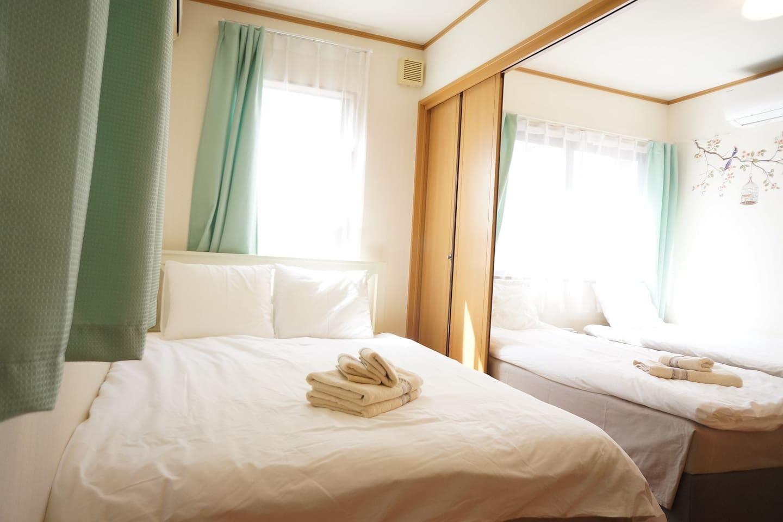 卧室1和2之间的折叠移门可根据需要自由开合