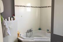 Salle de bain à l'etage