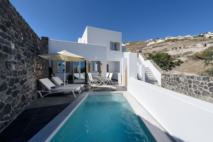 Island Sweet Home A - Santorini (max 6 persons)
