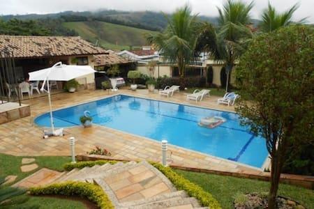 Lindoia casa c/ piscina 5 dormit. sendo 3 suites - Lindóia - Rumah