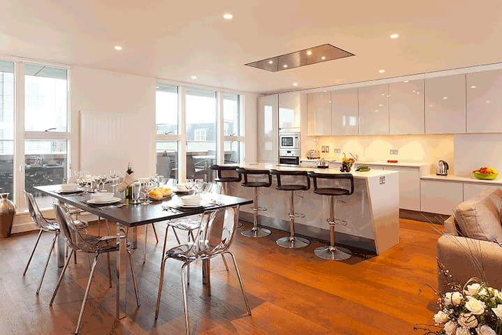 Covent Garden St Martins Three Bed