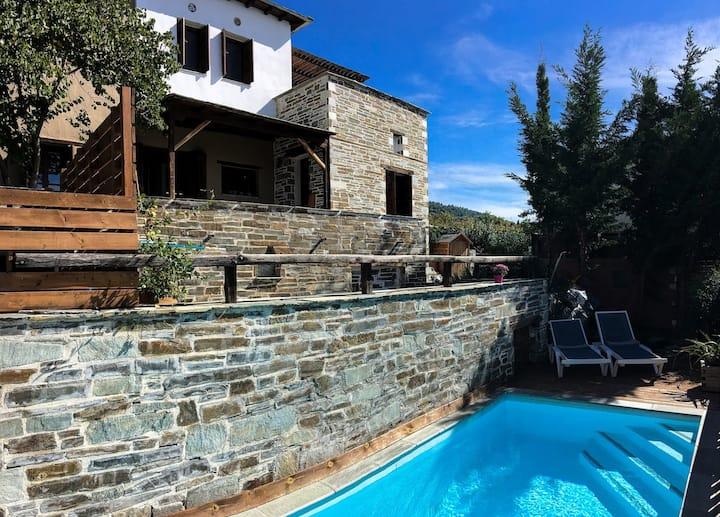 PELION HOMES | VILLA IRIS rustic & chic with pool