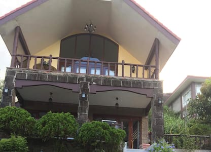 Lovely Vacation House in Tagaytay