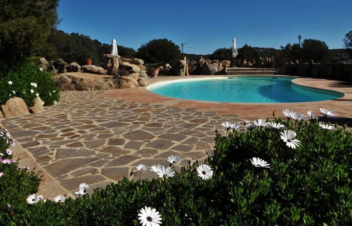 Villa con piscina, Costa Smeralda a 5 minuti.