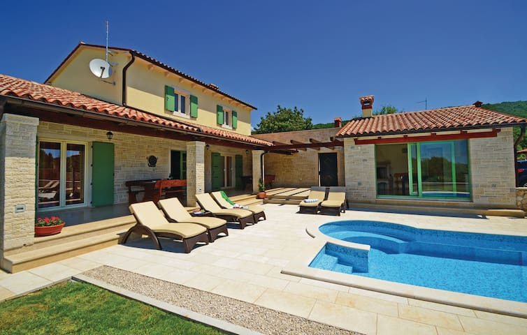 Villa Macarinka - Labin - Rumah