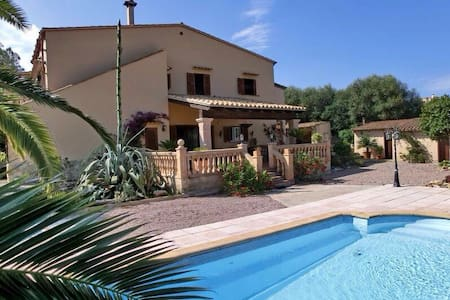 Mallorquinische Finca mit Pool - Cala Llombards - Haus