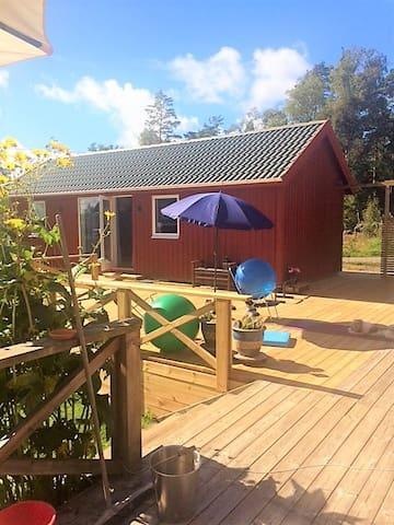 Nybyggt gästhus med sjötomt - Värnamo Ö