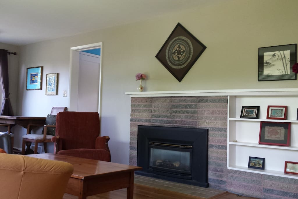 Living Room and Dining Room with Gas Fireplace