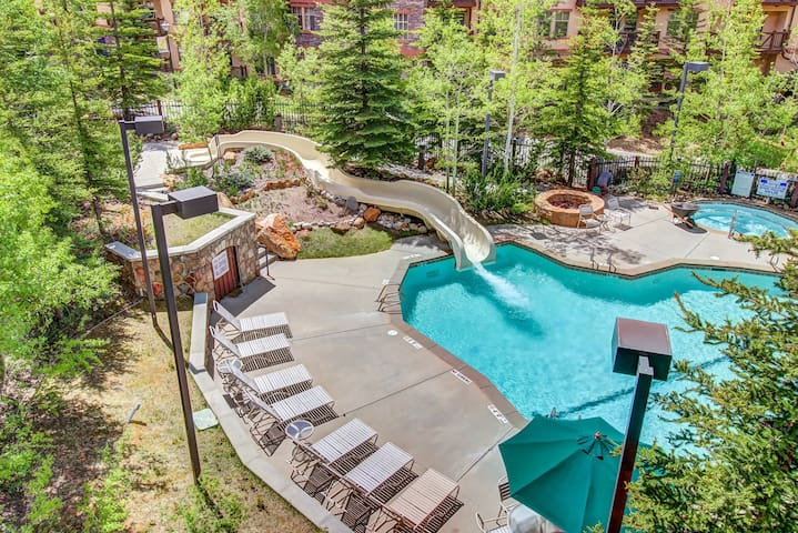 Ski-in/ski-out condo w/ deck & access to a pool, hot tub & more at Club Solitude