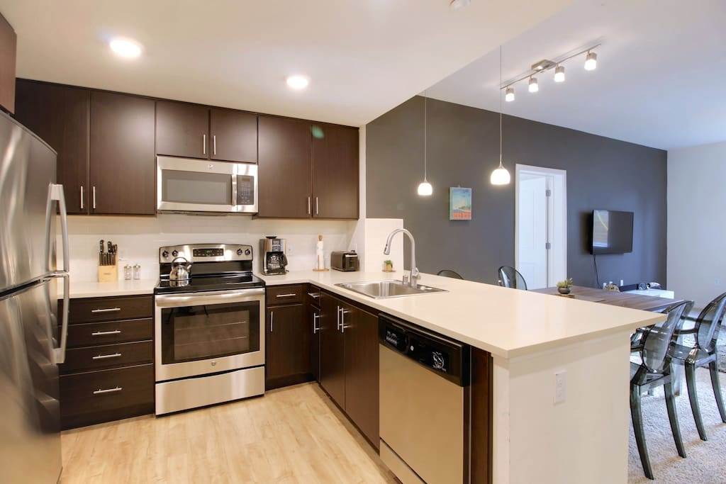 Fully Equipped Kitchen - Basic Essentials Provided  + Dining for 4-6