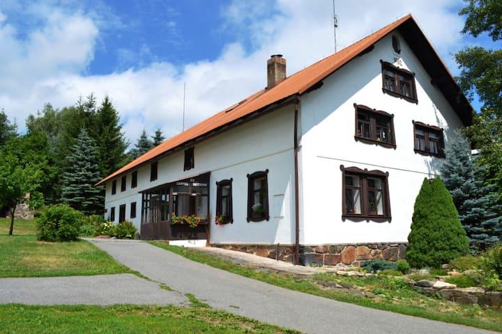 Chalupa na horách-apartmán až 7 osob-tiché místo.