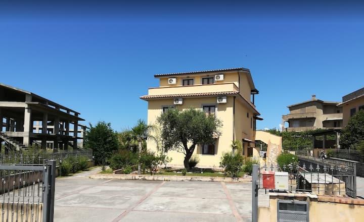 Camera Quadrupla San Nicola Arcella