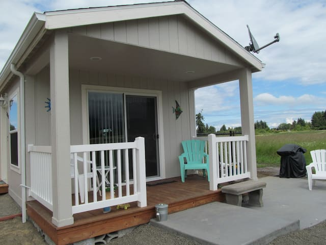 OLYMPIC TRAIL COTTAGE