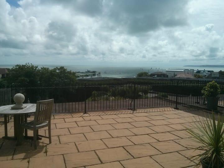 Sea views, large private terrace, 5 mins beach