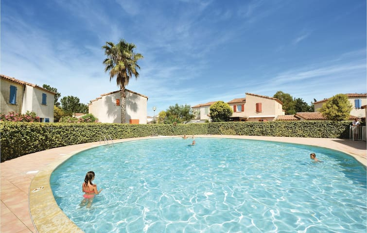 Holiday cottage with 3 bedrooms on 92m² in Aigues-Mortes