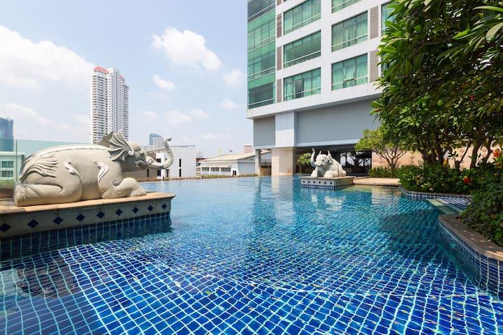 Riverside Condo - BTS Saphan Taksin - Bangkok - Apartament
