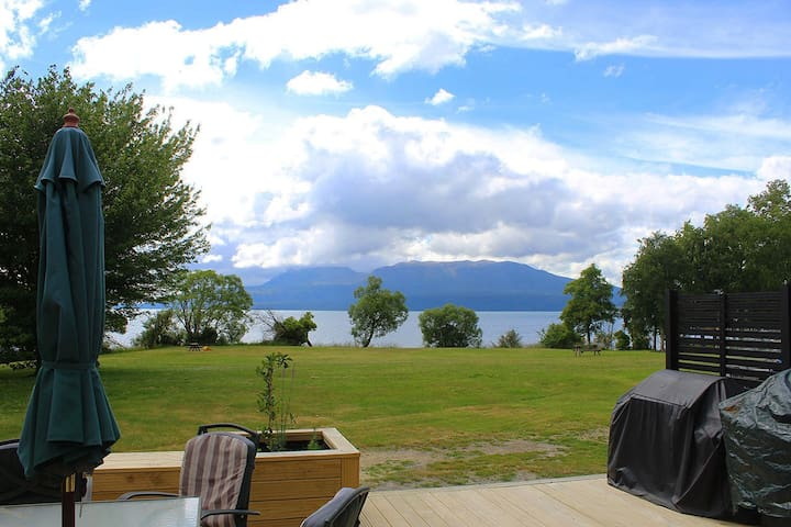 Lakehouse Escape - Lake Tarawera - Ev
