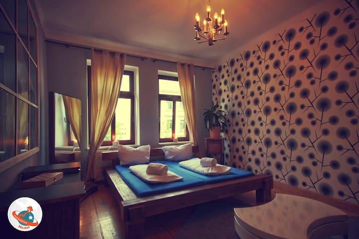 Homeplanet Hostel Double Bed Room
