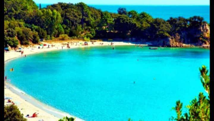 A 2 mn d'une magnifique plage location 4 pers