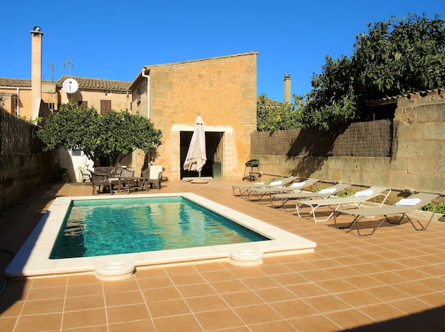 Townhouse with pool, barbecue and air conditioning - Algaida - Ev
