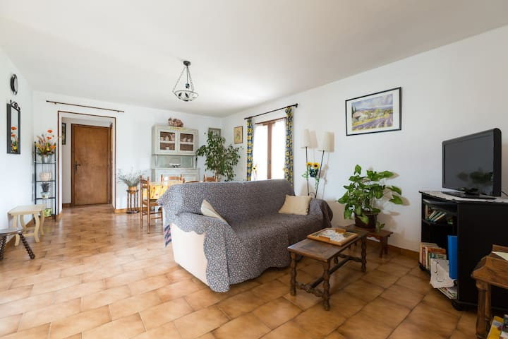 Gite dans maison provençale - Taillades - Leilighet