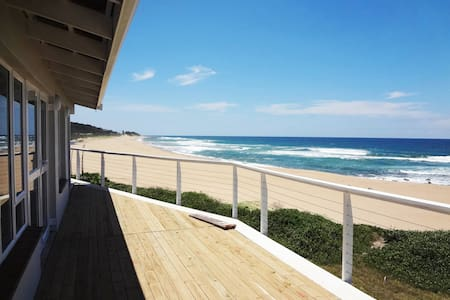 The Whale House Beach Front luxury - Pennington