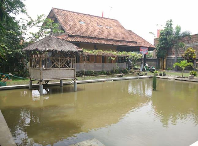 Villa Kanineung Soreang - Soreang - Vila