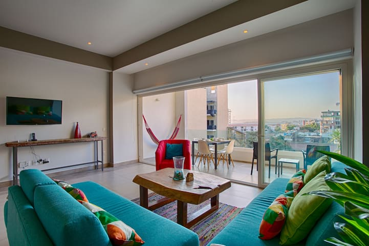Cool Mexican Comfort in Romantic Zone | Rooftop Pool, Jacuzzi, Gym