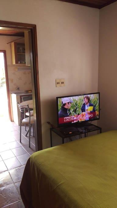 Tv Cable en dormitorio.
