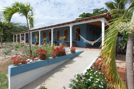 Casa Villa Hermosa - La Boca - Huvila