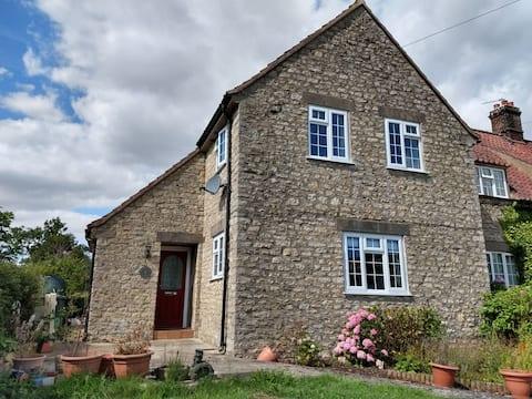 Kilburn Chicken Cottage