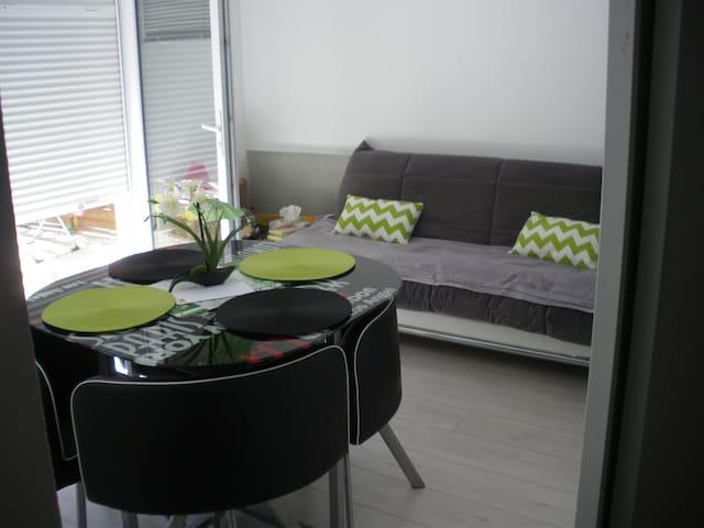 Appartement en rez-de-chaussée - Le Tour-du-Parc - Apartament