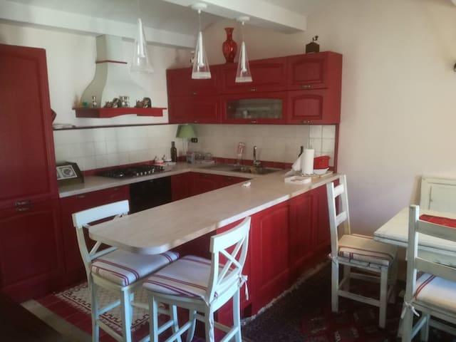 Casa con idromassaggio e biliardino a Filettino