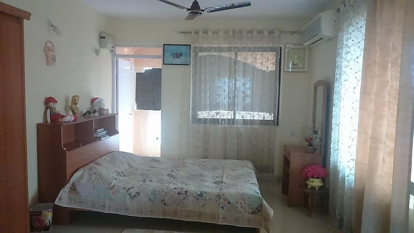 Arabian Sea view home NEAR AIRPORT - Dabolim - Huis