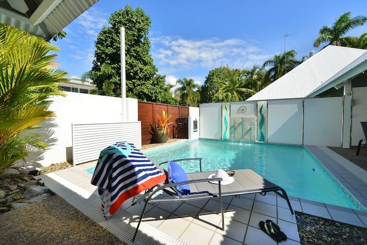 Serenity Port Douglas: Luxury Beachfront - Port Douglas - Villa