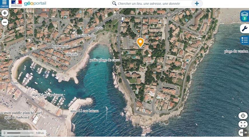 A Carro duplex 2☆, jardin.Mer et plage a 50 mètres