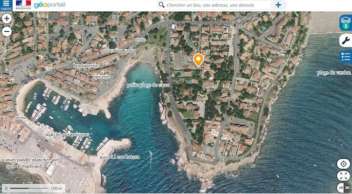 A Carro duplex 2☆, jardin . Mer et plage à 150m