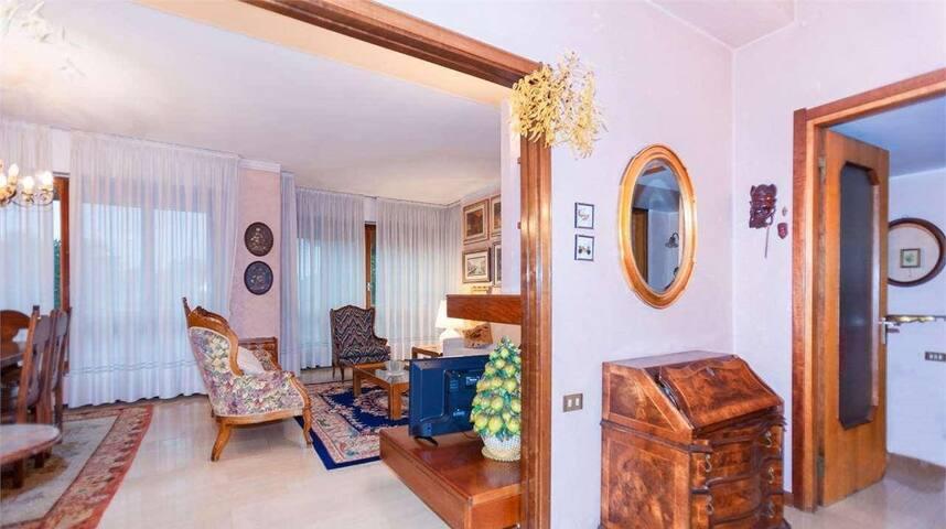 Appartamento classico finemente arredato
