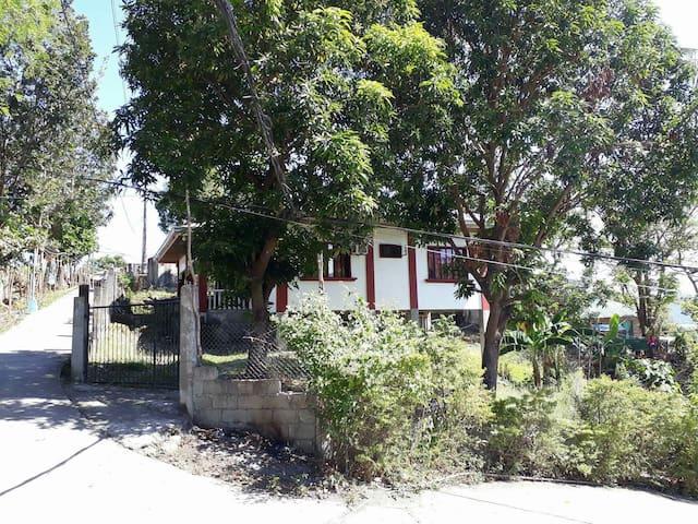 Vacation house - Puerto Galera - Dom