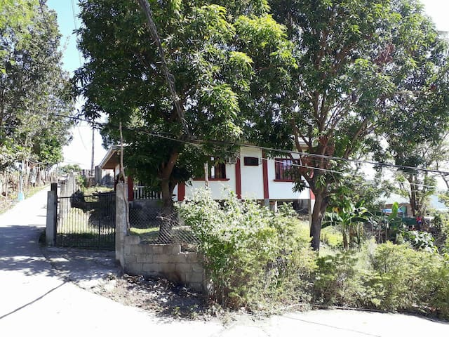 Vacation house - Puerto Galera - Casa