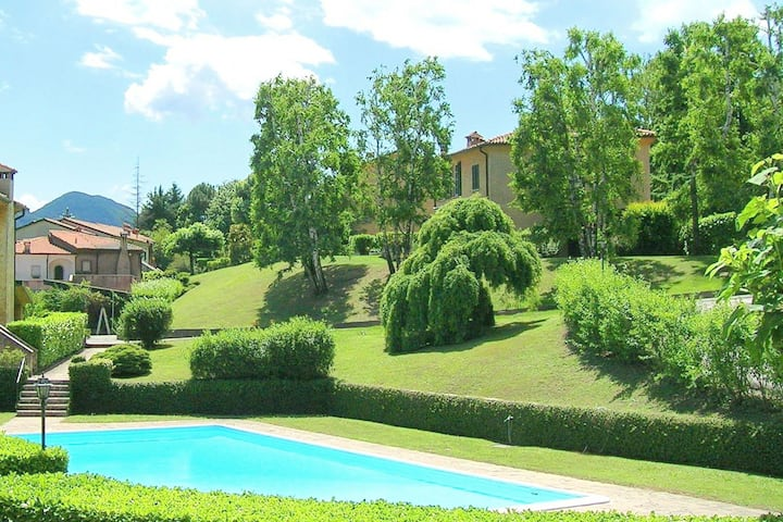 Garden-view| 2 Swimming Pools| Tennis Court| Italian Lakes